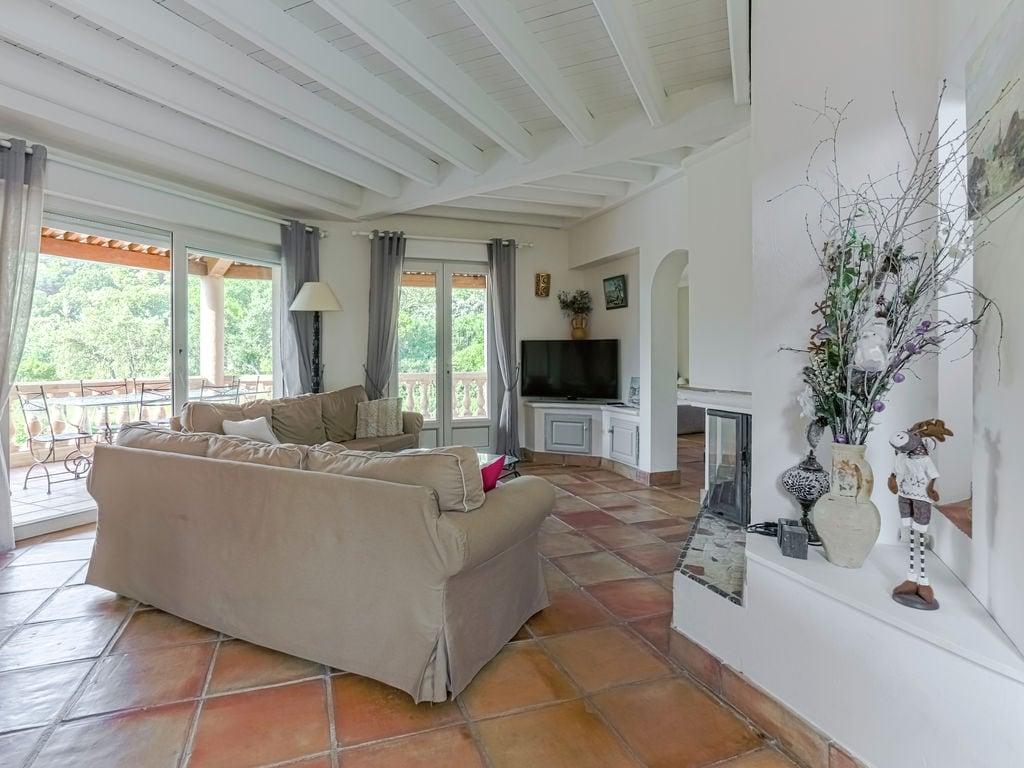 Ferienhaus Luxuriöse Ferienwohnung in Sainte-Maxime mit Whirlpool (1404750), Sainte Maxime, Côte d'Azur, Provence - Alpen - Côte d'Azur, Frankreich, Bild 4