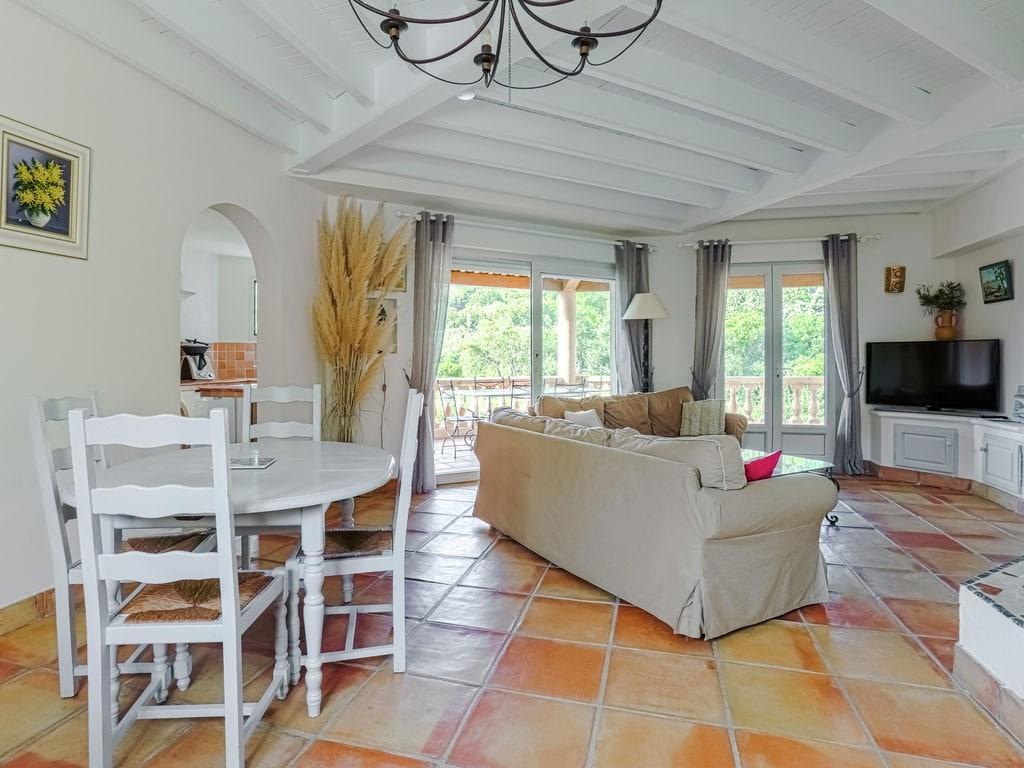 Ferienhaus Luxuriöse Ferienwohnung in Sainte-Maxime mit Whirlpool (1404750), Sainte Maxime, Côte d'Azur, Provence - Alpen - Côte d'Azur, Frankreich, Bild 15