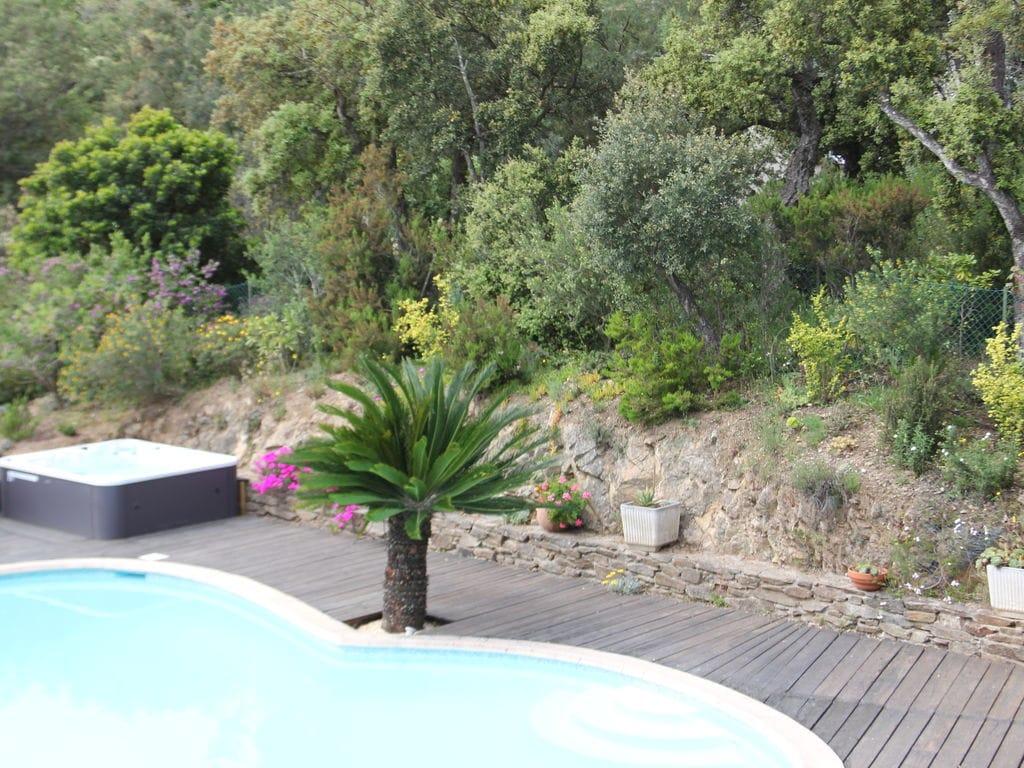 Ferienhaus Luxuriöse Ferienwohnung in Sainte-Maxime mit Whirlpool (1404750), Sainte Maxime, Côte d'Azur, Provence - Alpen - Côte d'Azur, Frankreich, Bild 19