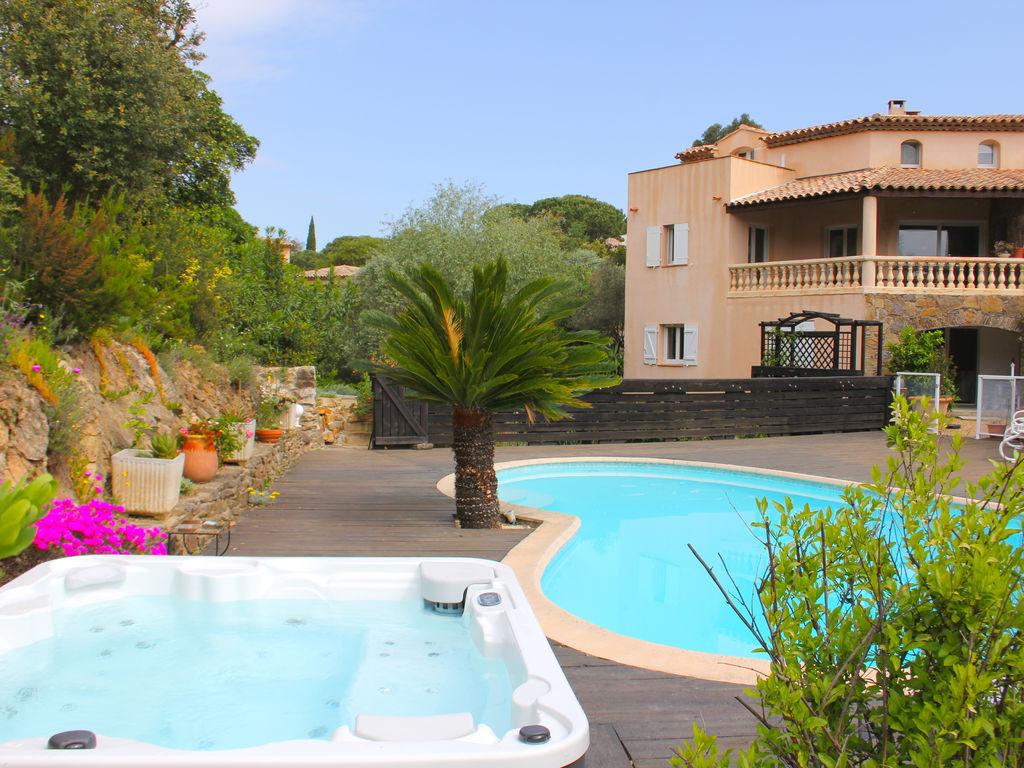 Ferienhaus Luxuriöse Ferienwohnung in Sainte-Maxime mit Whirlpool (1404750), Sainte Maxime, Côte d'Azur, Provence - Alpen - Côte d'Azur, Frankreich, Bild 1