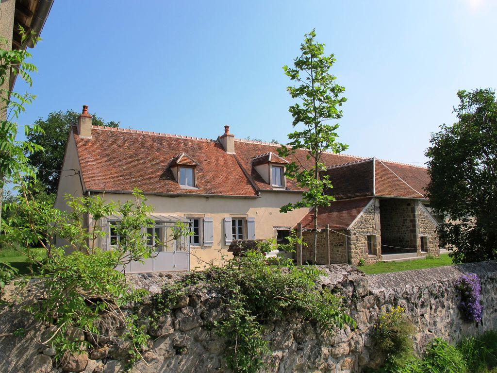 Ferienhaus Freistehendes Ferienhaus in Braize mit Terrasse (1379596), Ainay le Château, Allier, Auvergne, Frankreich, Bild 1