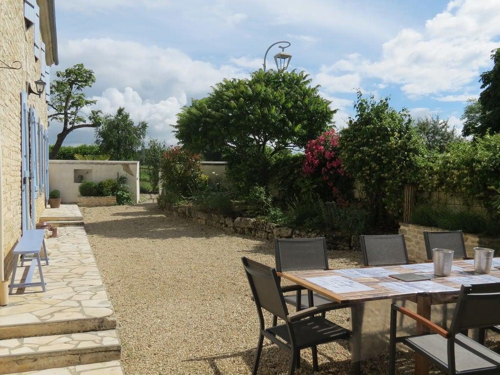 Ferienhaus Großzügiges Landhaus mit privatem Pool in Villiers-Couture (1410177), Néré, Atlantikküste Charente-Maritime, Poitou-Charentes, Frankreich, Bild 5