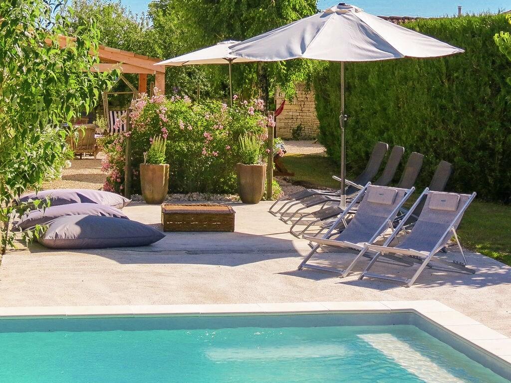 Ferienhaus Großzügiges Landhaus mit privatem Pool in Villiers-Couture (1410177), Néré, Atlantikküste Charente-Maritime, Poitou-Charentes, Frankreich, Bild 7