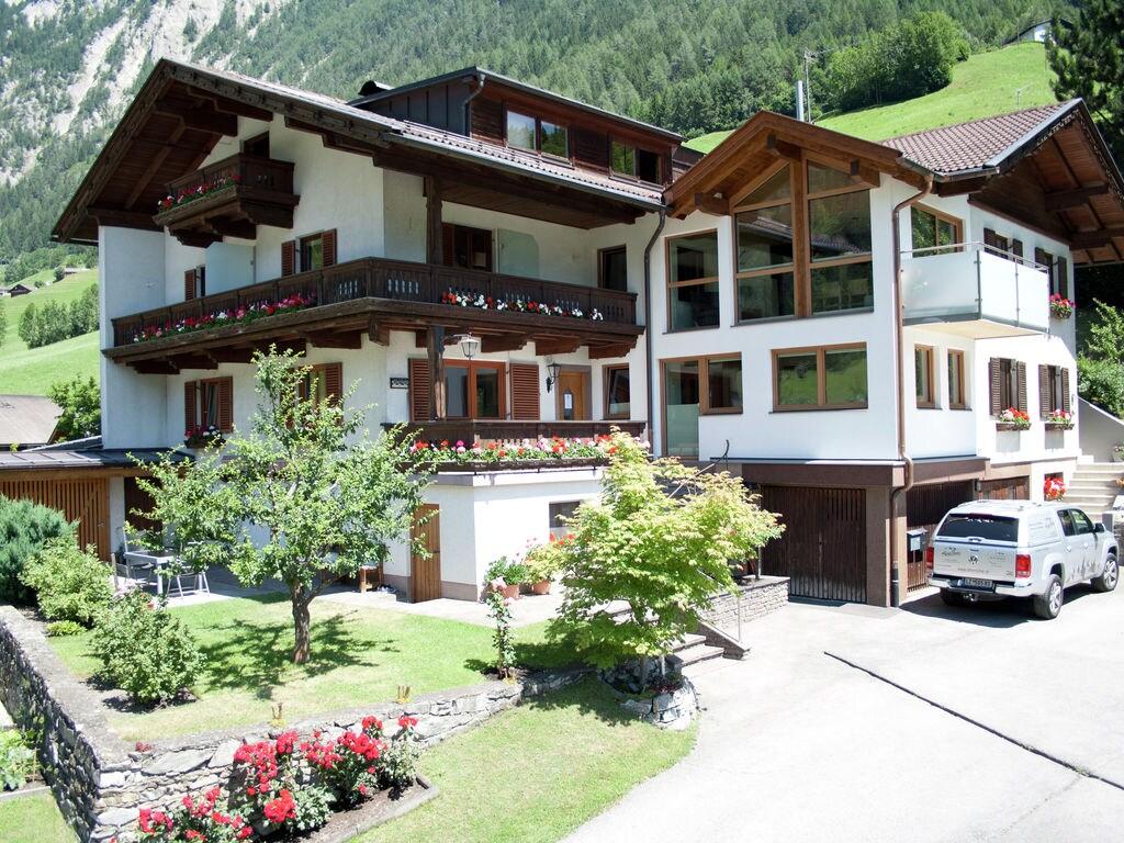 Ferienwohnung Gepflegte Wohnung in ruhiger Lage am Ortsrand von Matrei (1556480), Matrei in Osttirol, Osttirol, Tirol, Österreich, Bild 3