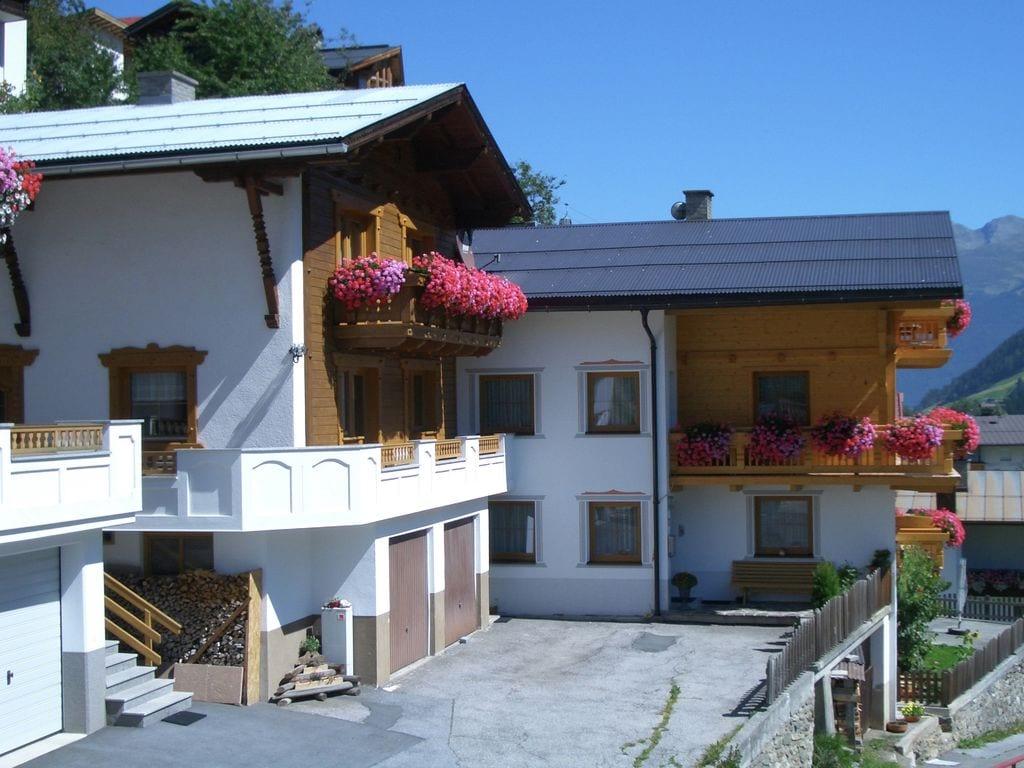 Ferienwohnung Schöne Ferienwohnung in Kappl Tirol mit Bergblick vom Balkon (1574080), Kappl, Paznaun - Ischgl, Tirol, Österreich, Bild 2