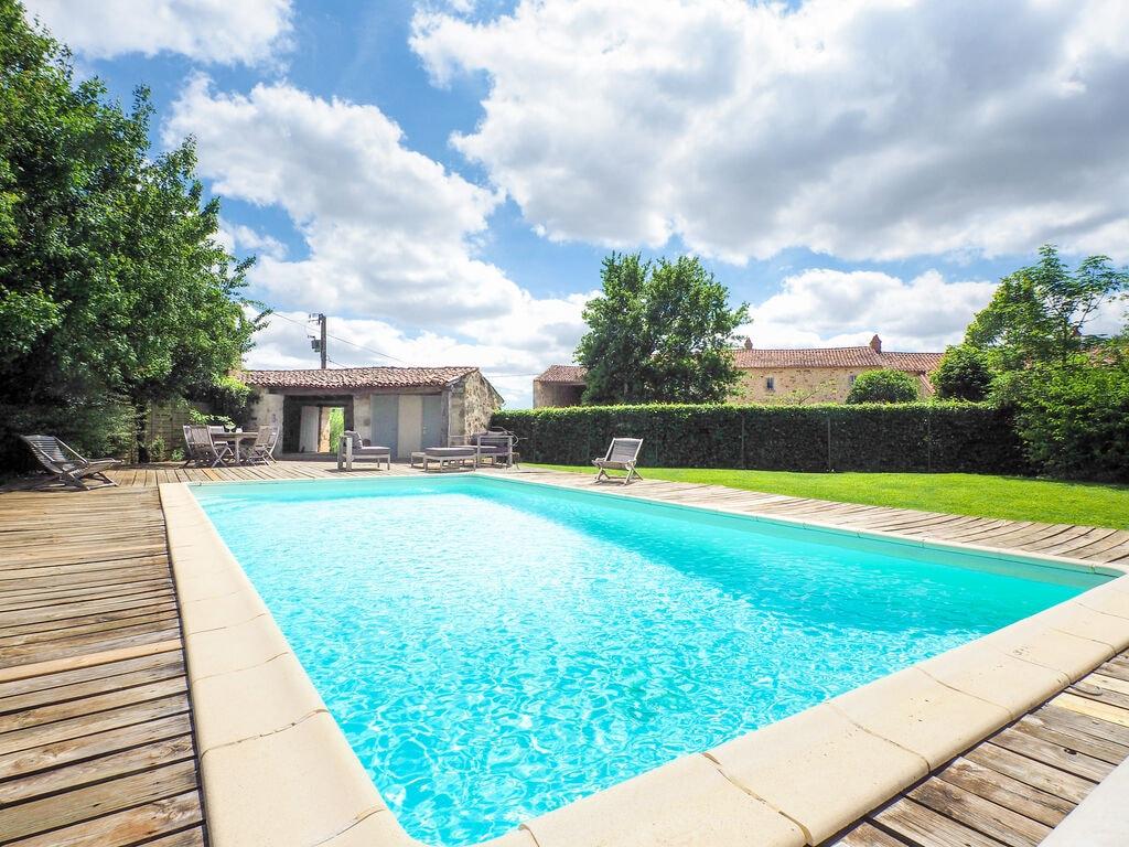 Ferienhaus Komfortables Ferienhaus mit privatem Pool in der Loire (1658563), La Caillère St Hilaire, Vendée Binnenland, Pays de la Loire, Frankreich, Bild 2
