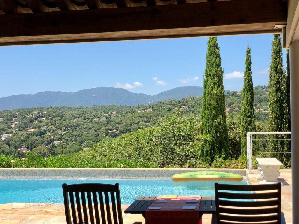 Ferienhaus Luxuriöse Villa bei La Croix-Valmer mit Blick aufs Meer (1658019), La Croix Valmer, Côte d'Azur, Provence - Alpen - Côte d'Azur, Frankreich, Bild 32