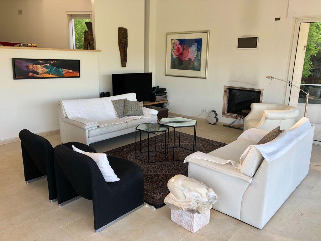 Ferienhaus Luxuriöse Villa bei La Croix-Valmer mit Blick aufs Meer (1658019), La Croix Valmer, Côte d'Azur, Provence - Alpen - Côte d'Azur, Frankreich, Bild 2