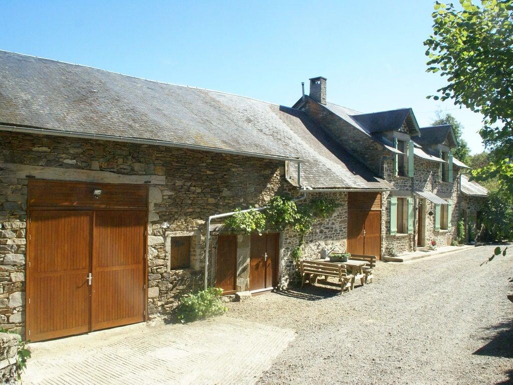 Ferienhaus Geräumiges Ferienhaus mit Pool in Sussac Frankreich (1657912), Châteauneuf la Forêt, Haute-Vienne, Limousin, Frankreich, Bild 4