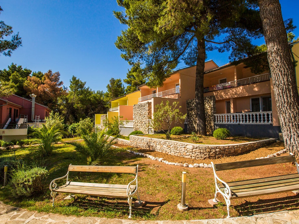 Gepfl. Appartement, Meerblick, Klimaanlage, 12 km  Ferienpark in Kroatien