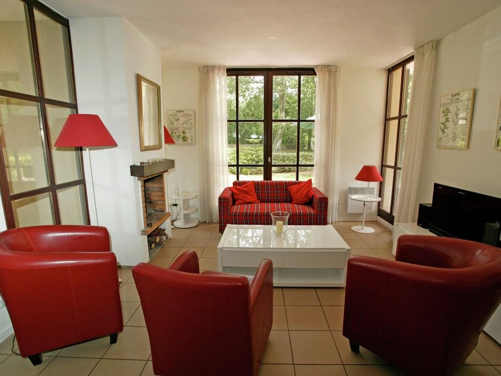 Maison de vacances Freistehende Luxusvilla in einem Naturreservat mit Schloss (1760910), Salles, Gironde, Aquitaine, France, image 5