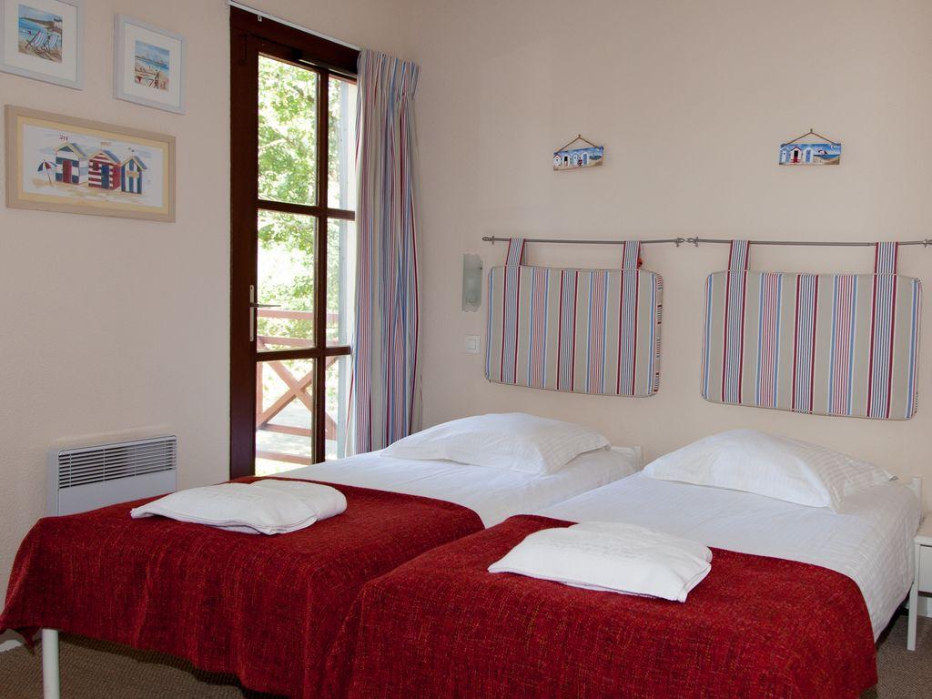 Maison de vacances Freistehende Luxusvilla in einem Naturreservat mit Schloss (1760910), Salles, Gironde, Aquitaine, France, image 12