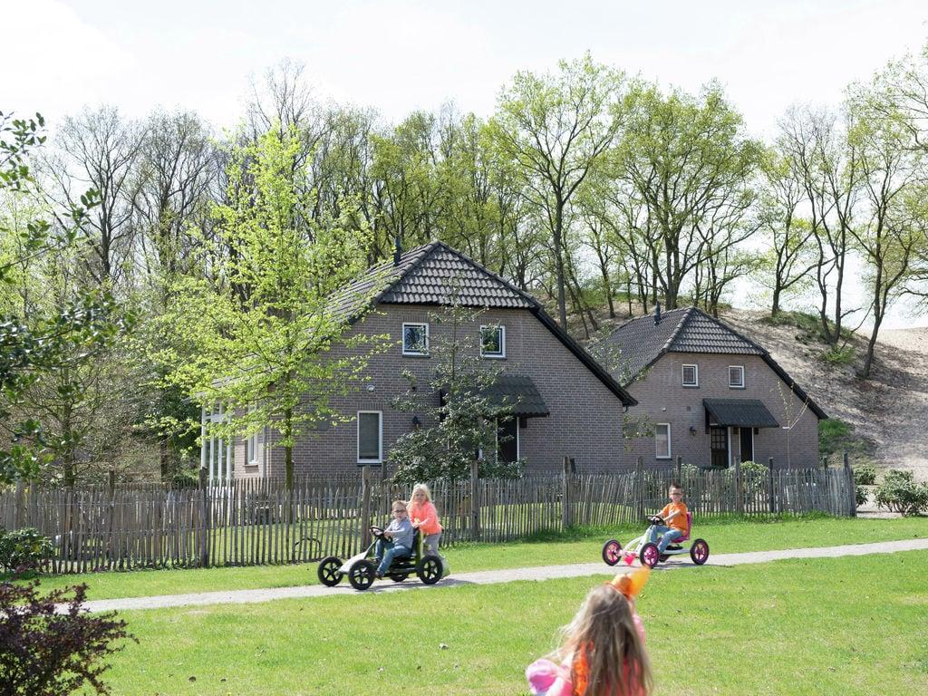 Ferienhaus Charakteristisches Ferienhaus mit Terrasse an Bedafse Bergen (1625947), Bedaf, , Nordbrabant, Niederlande, Bild 2