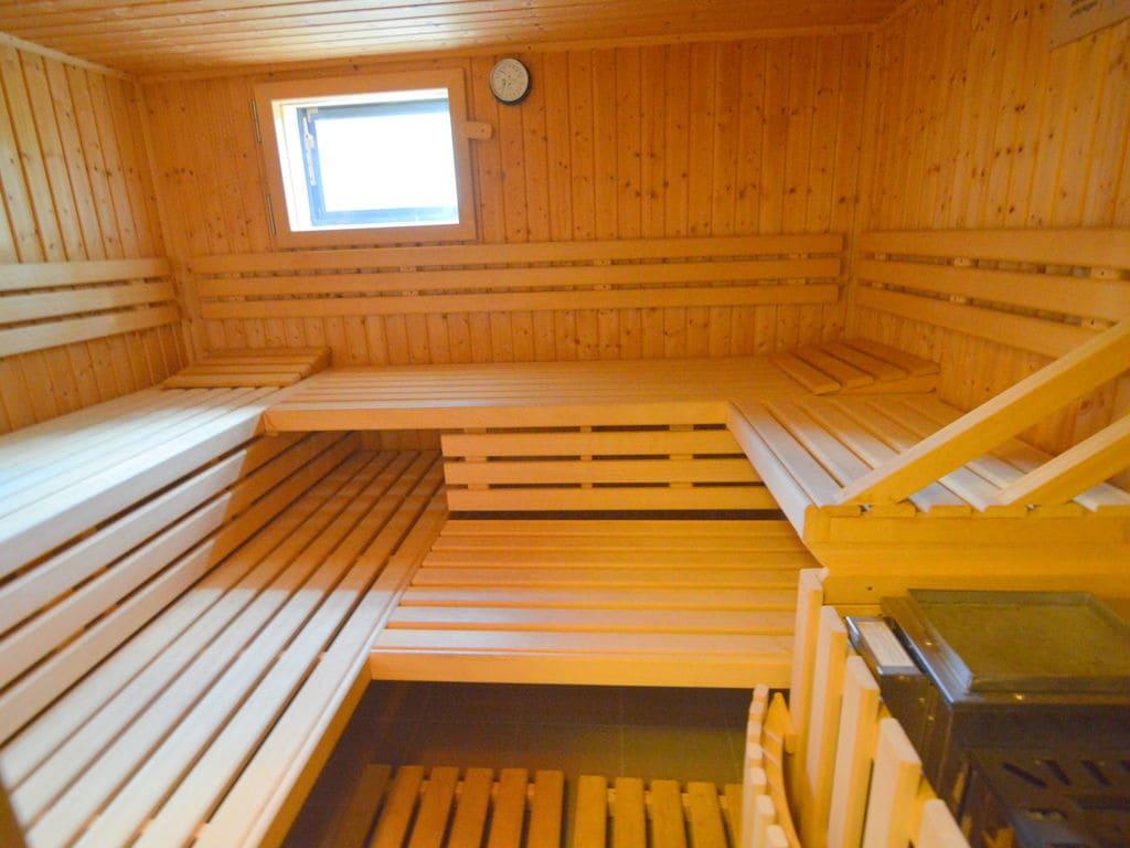 Ferienhaus Luxuriöses Ferienhaus in Kalterherberg mit Sauna (1680210), Monschau, Eifel (Nordrhein Westfalen) - Nordeifel, Nordrhein-Westfalen, Deutschland, Bild 34