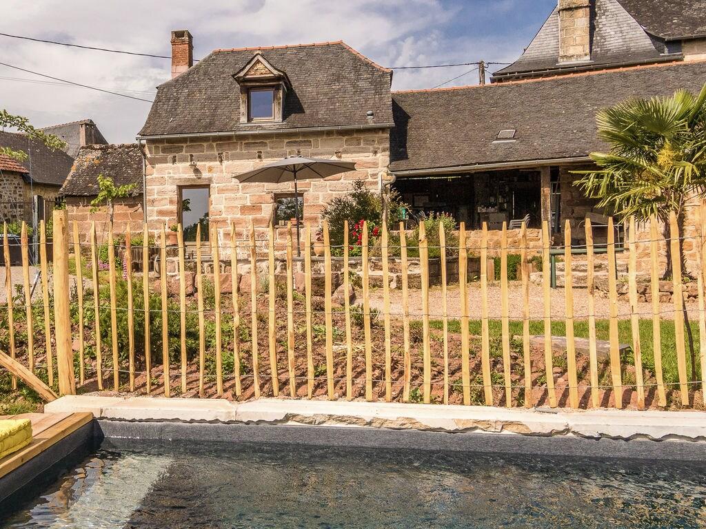 Ferienhaus Geräumiges Cottage in Saint-Bonnet-la-Rivière mit Grill (1680608), Objat, Corrèze, Limousin, Frankreich, Bild 3