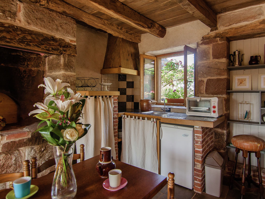 Ferienhaus Geräumiges Cottage in Saint-Bonnet-la-Rivière mit Grill (1680608), Objat, Corrèze, Limousin, Frankreich, Bild 4