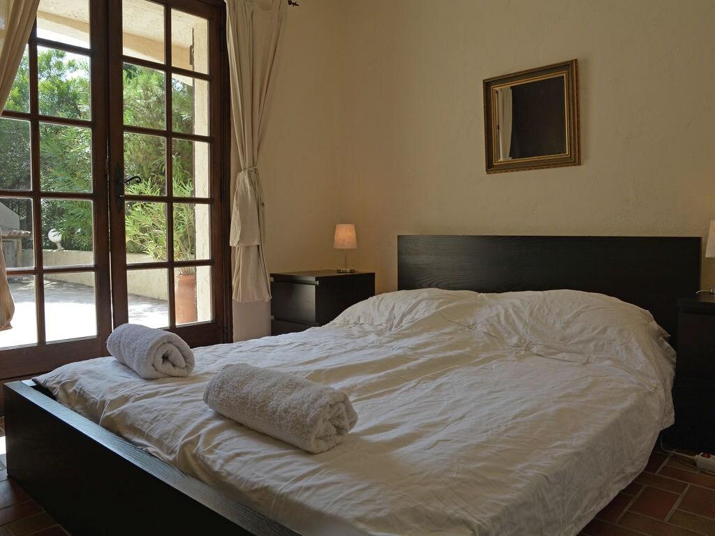 Ferienhaus Verlockende Villa in Roquebrune-sur-Argens mit eigenem Pool (1734010), Les Issambres, Côte d'Azur, Provence - Alpen - Côte d'Azur, Frankreich, Bild 18