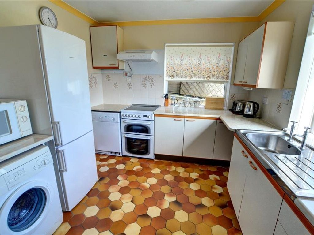 Holiday apartment 2 Ty Melyn (1870472), Newgale, West Wales, Wales, United Kingdom, picture 8