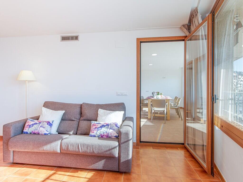 Ferienwohnung Moderne Wohnung mit WLAN und Meerblick (1889601), El Mas Fumats, Costa Brava, Katalonien, Spanien, Bild 9