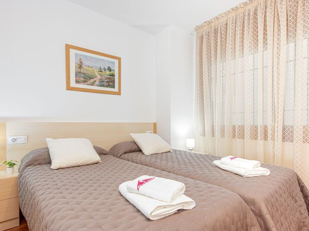 Ferienwohnung Moderne Wohnung mit WLAN und Meerblick (1889601), El Mas Fumats, Costa Brava, Katalonien, Spanien, Bild 16
