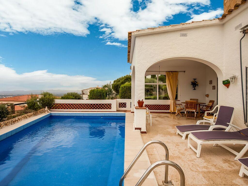 Ferienhaus Modernes Ferienhaus mit Swimmingpool in Roses (2063470), El Mas Fumats, Costa Brava, Katalonien, Spanien, Bild 9