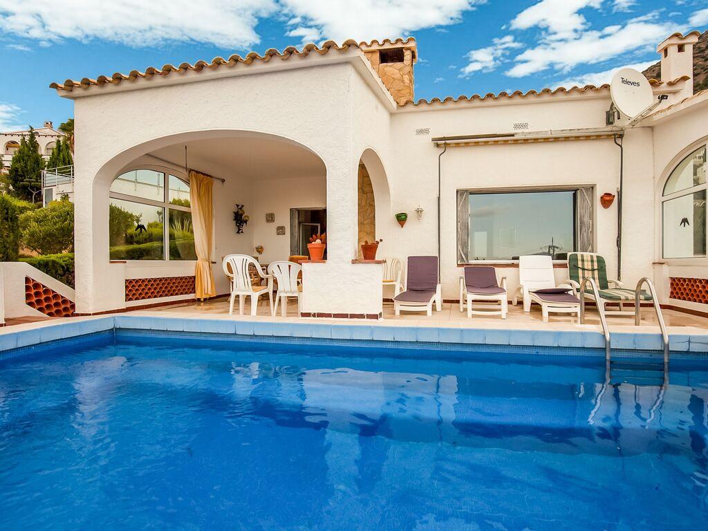 Ferienhaus Modernes Ferienhaus mit Swimmingpool in Roses (2063470), El Mas Fumats, Costa Brava, Katalonien, Spanien, Bild 7