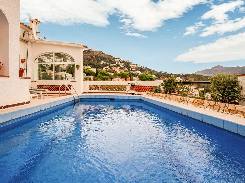 Ferienhaus Modernes Ferienhaus mit Swimmingpool in Roses (2063470), El Mas Fumats, Costa Brava, Katalonien, Spanien, Bild 10