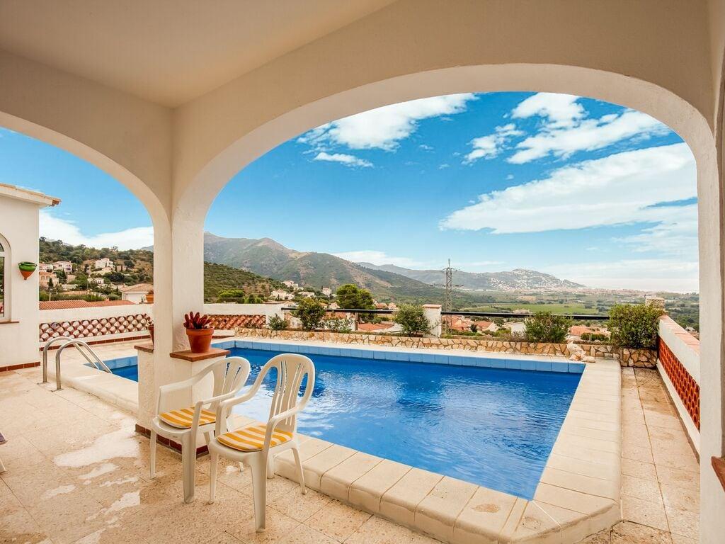 Ferienhaus Modernes Ferienhaus mit Swimmingpool in Roses (2063470), El Mas Fumats, Costa Brava, Katalonien, Spanien, Bild 11