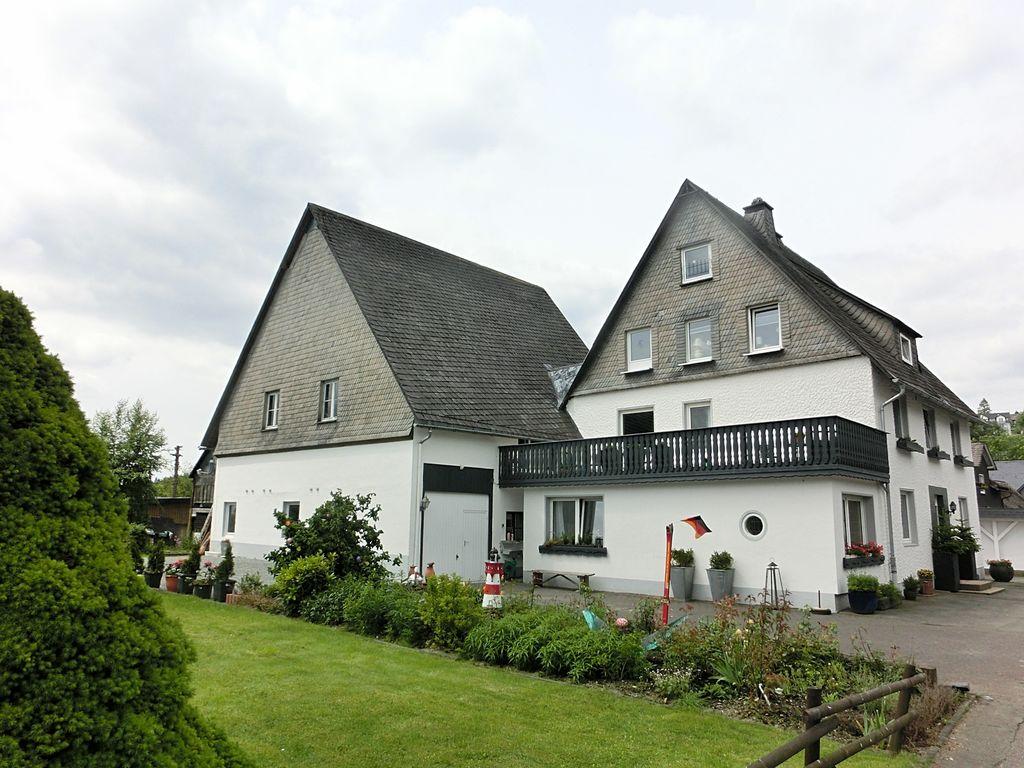 Gemütliches Haus mit Stauraum, Dachterrasse,  Ferienhaus in Nordrhein Westfalen
