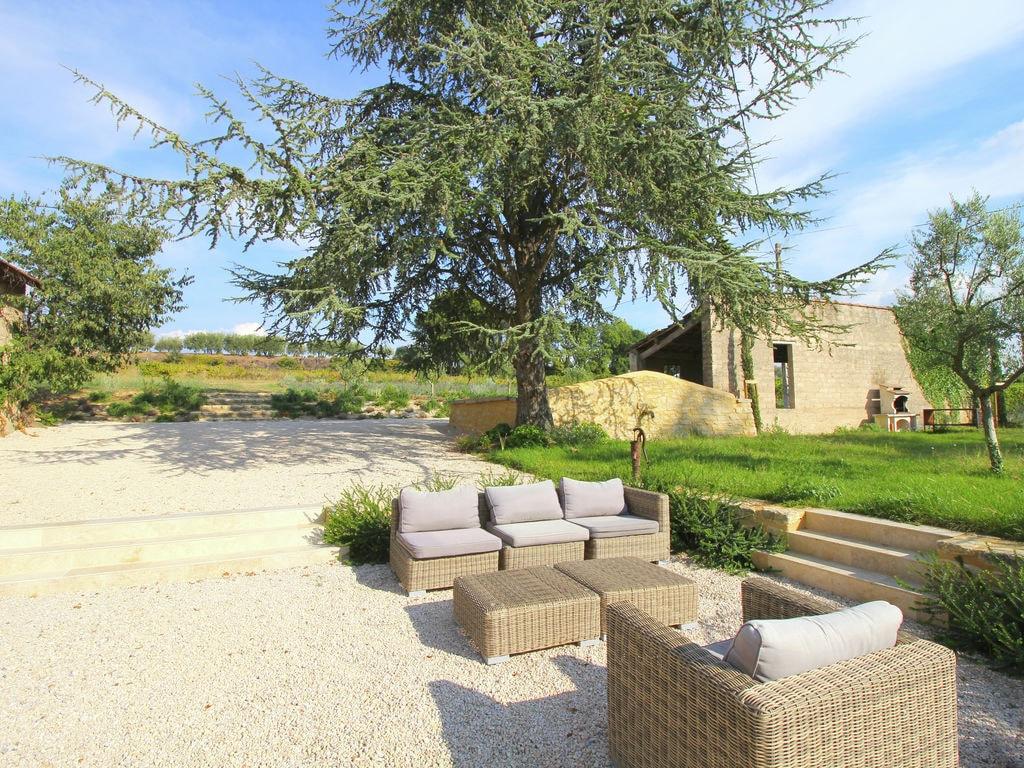 Holiday house Luxuriöses Mas mit privatem Pool am Fuße des Mont Ventoux (2007891), Carpentras, Vaucluse, Provence - Alps - Côte d'Azur, France, picture 33