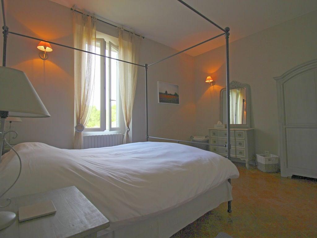 Holiday house Luxuriöses Mas mit privatem Pool am Fuße des Mont Ventoux (2007891), Carpentras, Vaucluse, Provence - Alps - Côte d'Azur, France, picture 23