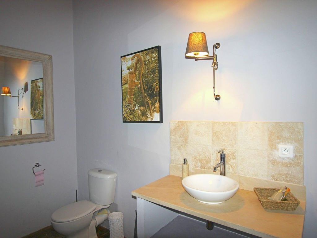 Holiday house Luxuriöses Mas mit privatem Pool am Fuße des Mont Ventoux (2007891), Carpentras, Vaucluse, Provence - Alps - Côte d'Azur, France, picture 30