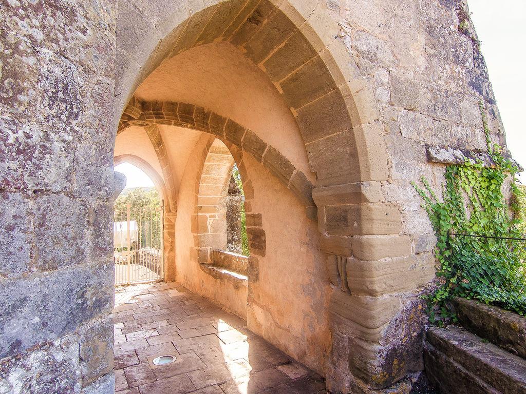 Ferienhaus Elegantes Ferienhaus in Chasteaux mit Terrasse, Grill, Liegestühlen (1997106), Saint Pantaléon de Larche, Corrèze, Limousin, Frankreich, Bild 18