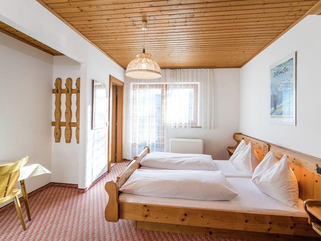 Ferienhaus Komfortables Ferienhaus mit Whirlpool und Sauna in Salzburg (1994628), Bruck an der Großglocknerstraße, Pinzgau, Salzburg, Österreich, Bild 37