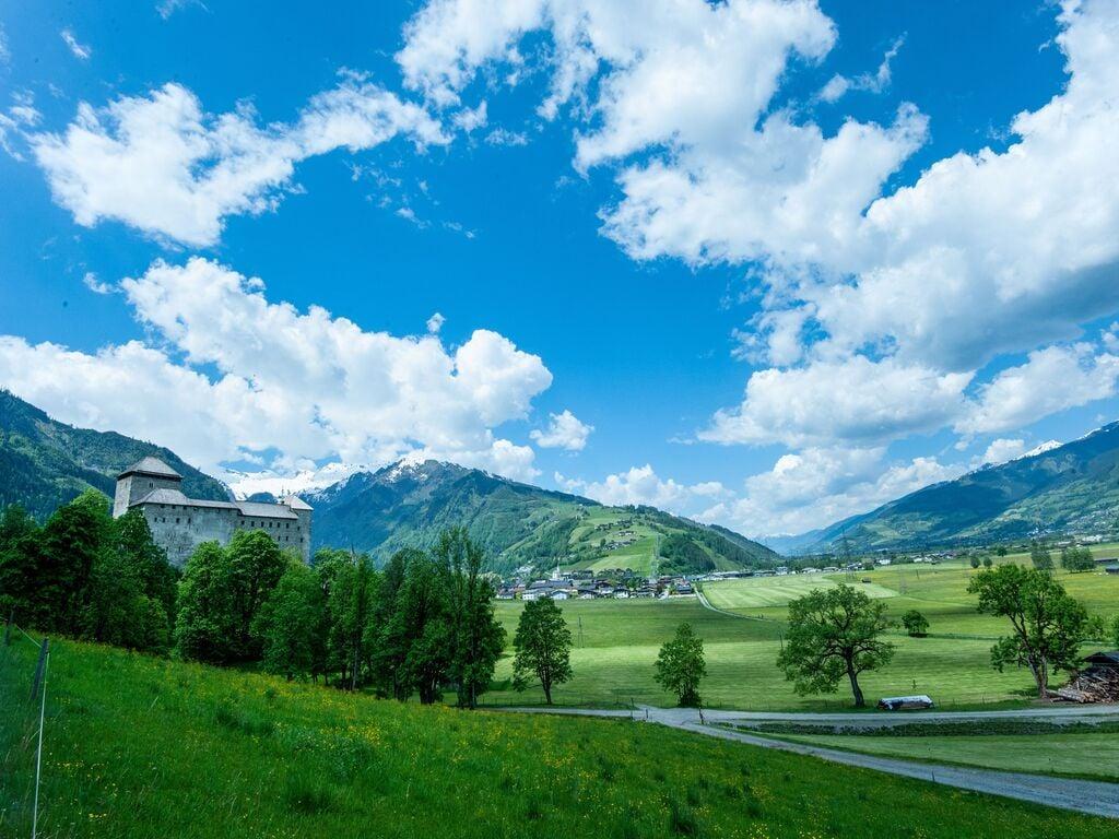 Ferienhaus Komfortables Ferienhaus mit Whirlpool und Sauna in Salzburg (1994628), Bruck an der Großglocknerstraße, Pinzgau, Salzburg, Österreich, Bild 27
