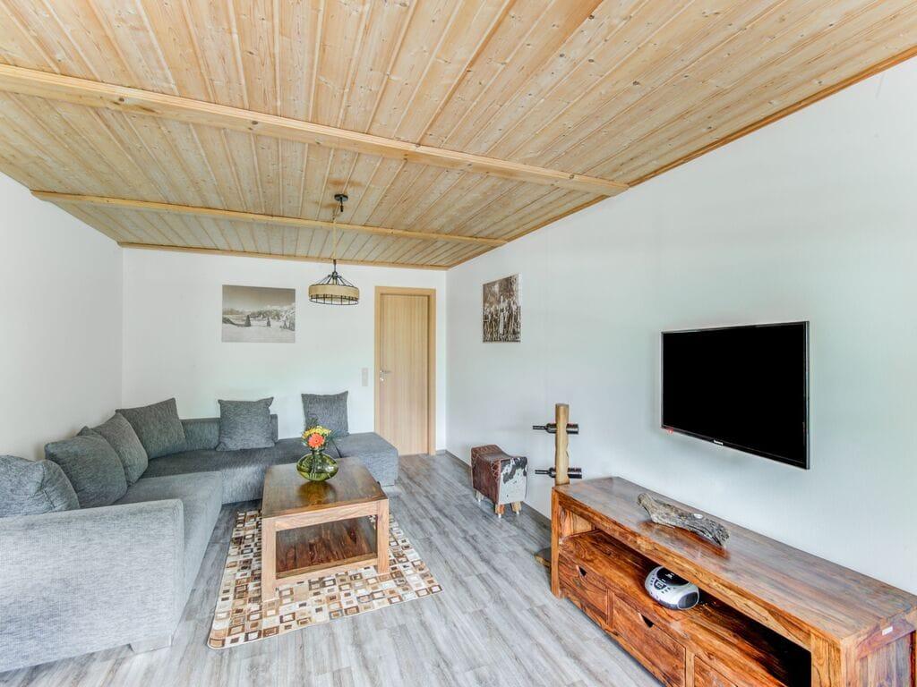 Ferienhaus Komfortables Ferienhaus mit Whirlpool und Sauna in Salzburg (1994628), Bruck an der Großglocknerstraße, Pinzgau, Salzburg, Österreich, Bild 11