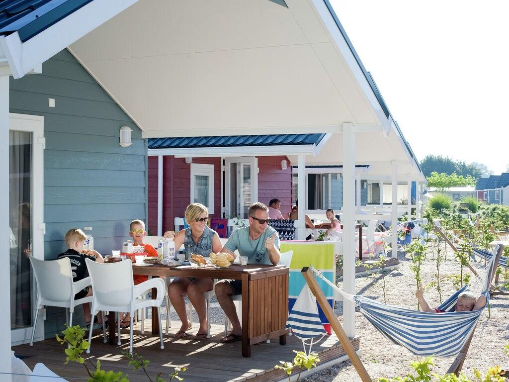 Ferienhaus Wunderschöne Lodge, fast direkt am See und Strand (2061524), Maurik, Rivierenland, Gelderland, Niederlande, Bild 12