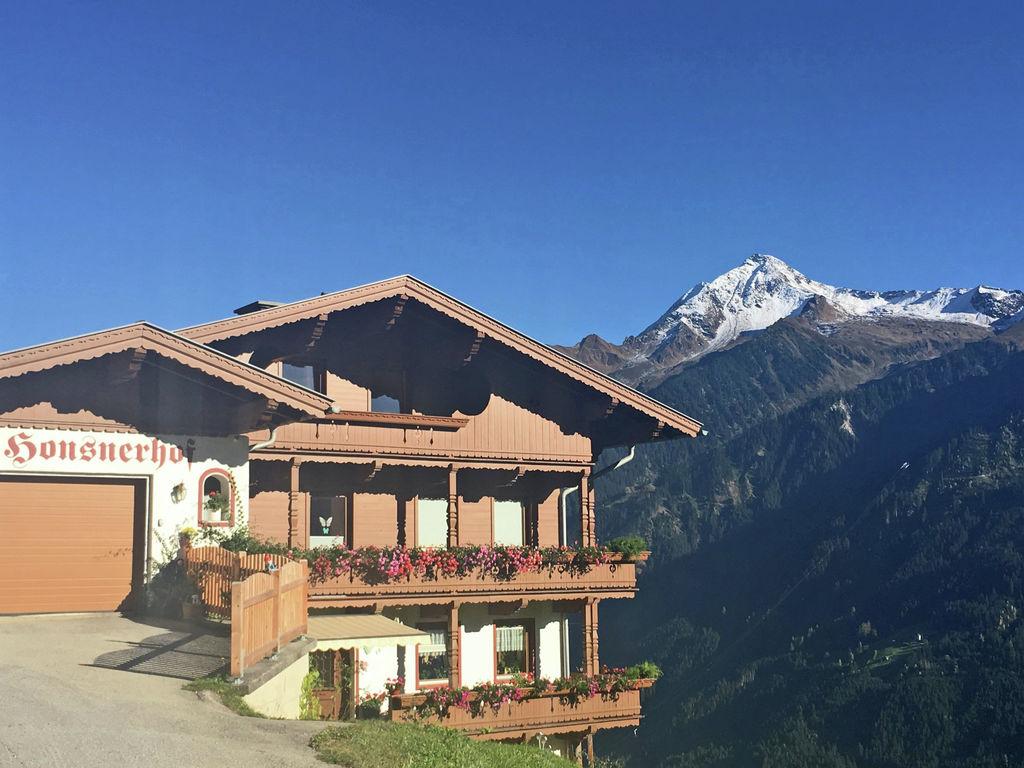 Ferienwohnung Ruhige Ferienwohnung in Finkenberg nah am Skilift (2011788), Finkenberg, Tux - Finkenberg, Tirol, Österreich, Bild 2