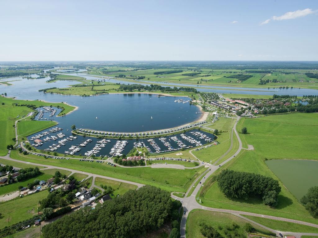 Ferienhaus Farbenfrohes Chalet mit Terrasse, nahe am See und Strand (2061530), Maurik, Rivierenland, Gelderland, Niederlande, Bild 25