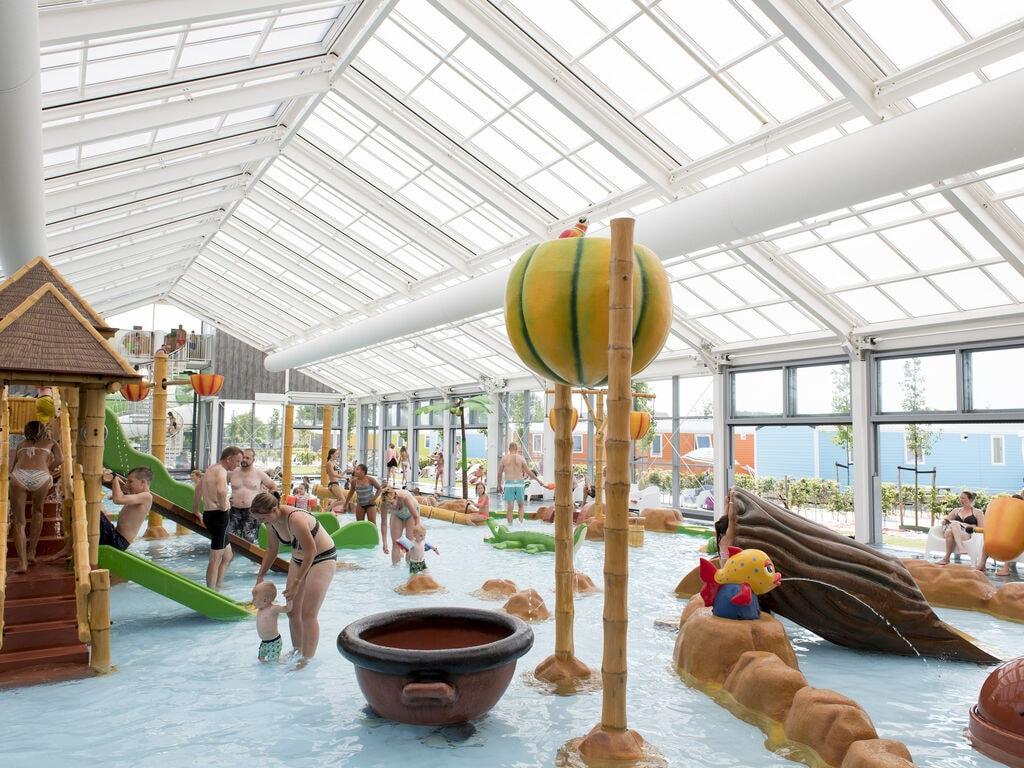 Ferienhaus Farbenfrohes Chalet mit Terrasse, nahe am See und Strand (2061530), Maurik, Rivierenland, Gelderland, Niederlande, Bild 13
