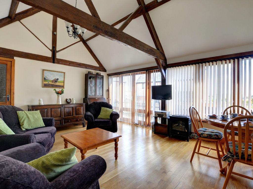 Ferienhaus Gemütliches Ferienhaus in Berriew mit Blick auf das Ackerland (2084610), Berriew, Mid Wales, Wales, Grossbritannien, Bild 2