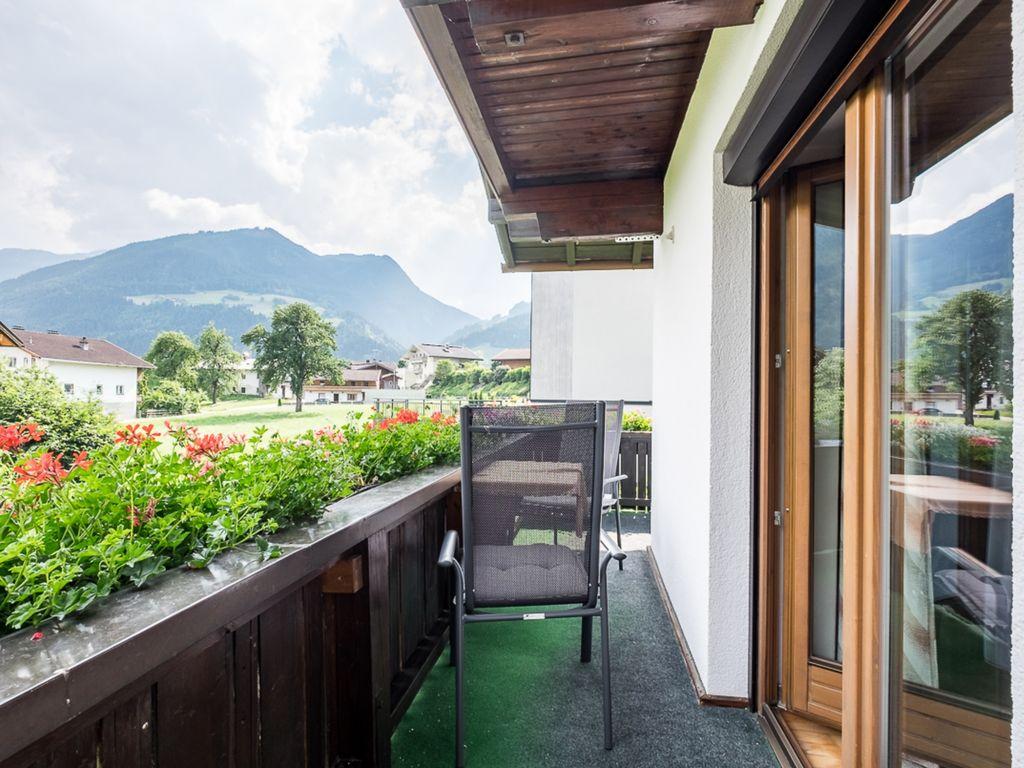 Ferienwohnung Vintage Wohnung in Fügen in der Nähe Skigebiet (2118082), Hochfügen, Zillertal, Tirol, Österreich, Bild 2