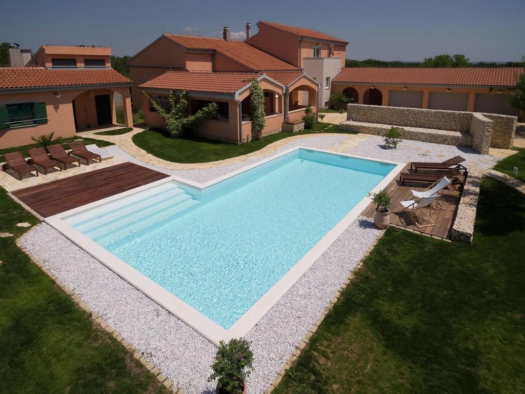 Luxury Villa Mario Ferienhaus