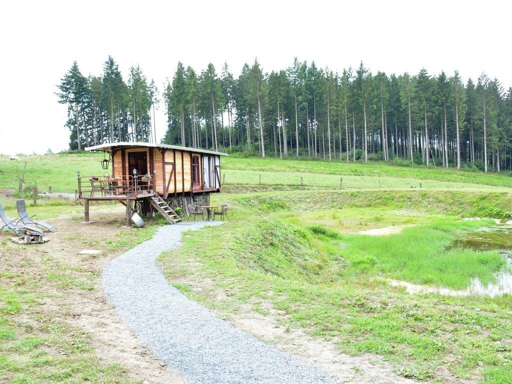 Ferienwohnung Gemütliches Wohnmobil mit Terrasse in Vresse-sur-Semois (2244599), Bièvre, Namur, Wallonien, Belgien, Bild 1