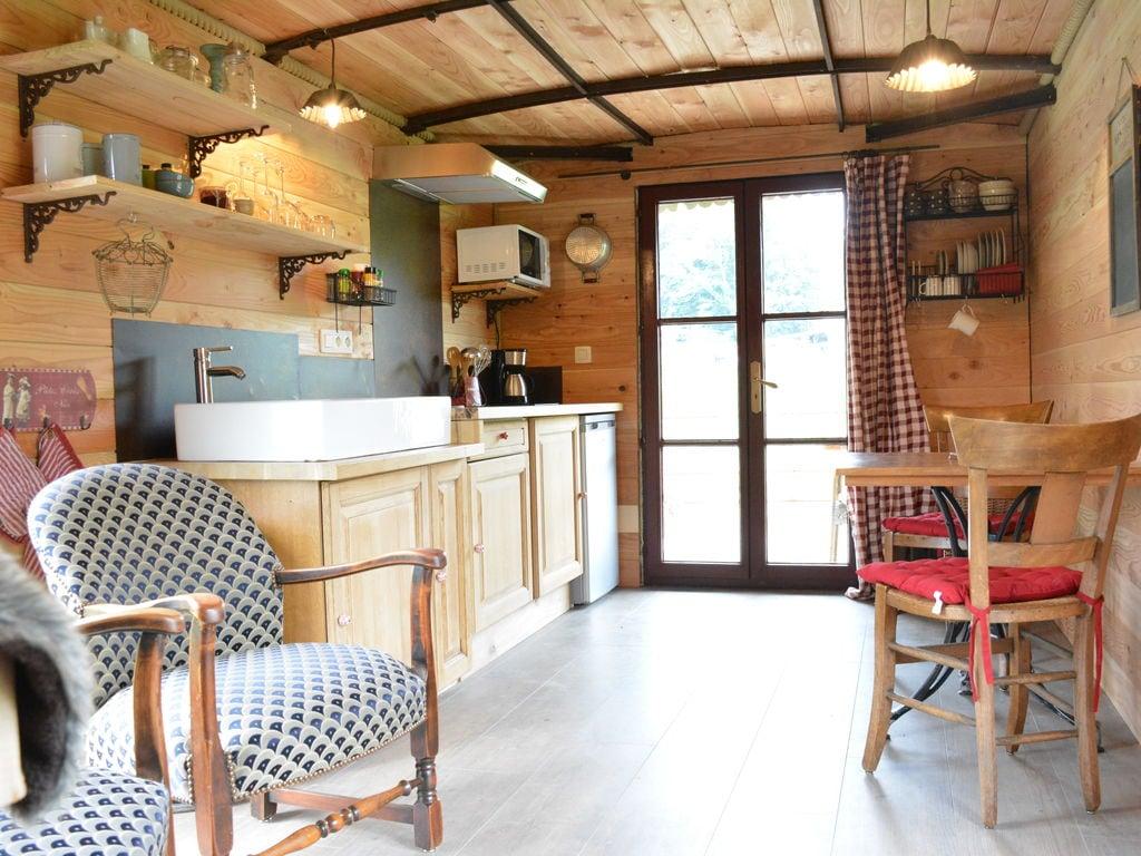 Ferienwohnung Gemütliches Wohnmobil mit Terrasse in Vresse-sur-Semois (2244599), Bièvre, Namur, Wallonien, Belgien, Bild 3