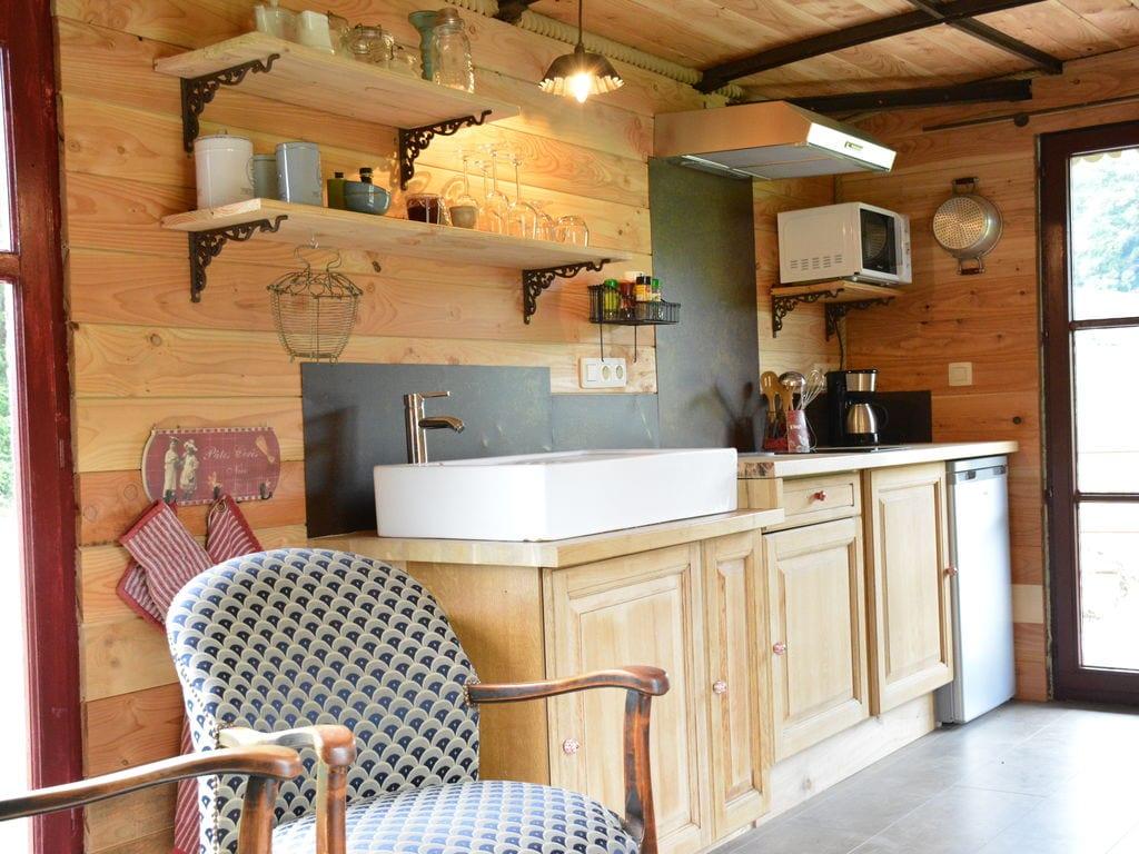 Ferienwohnung Gemütliches Wohnmobil mit Terrasse in Vresse-sur-Semois (2244599), Bièvre, Namur, Wallonien, Belgien, Bild 4