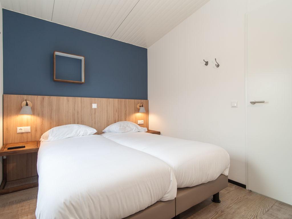 Ferienhaus Komf. Lodge mit Kombi-Mikrowelle, 900 m vom Strand entf. (2284199), Hollum, Ameland, Friesland (NL), Niederlande, Bild 8