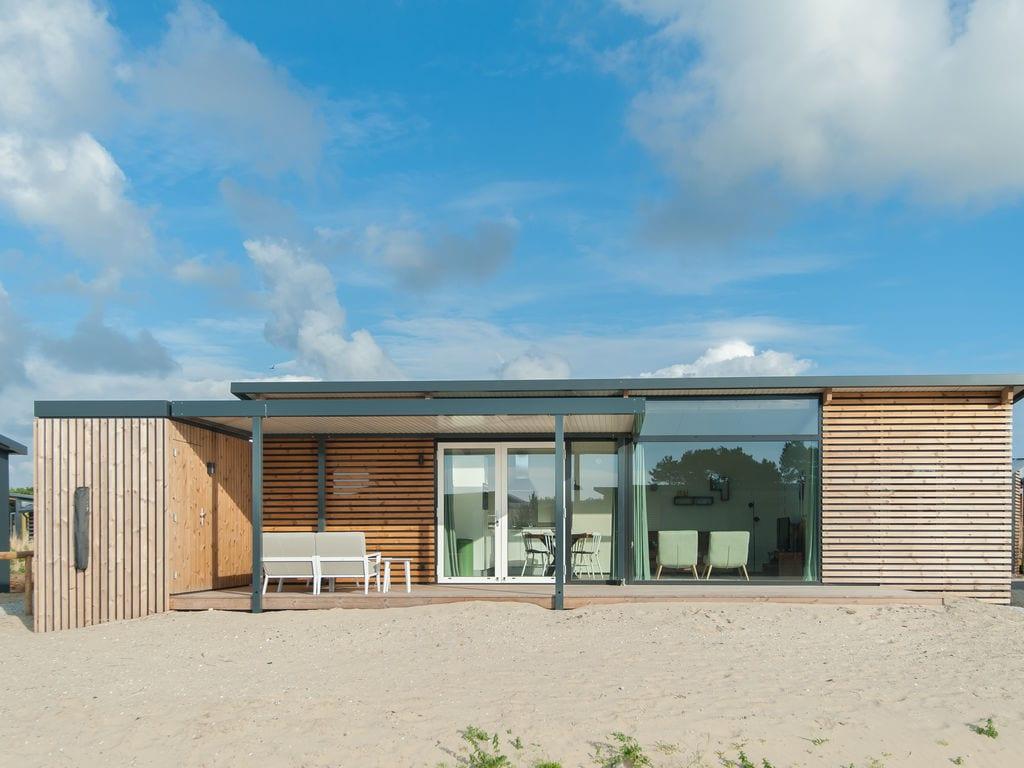 Ferienhaus Komf. Lodge mit zwei Badezimmern, 900 m vom Strand entf. (2284194), Hollum, Ameland, Friesland (NL), Niederlande, Bild 2