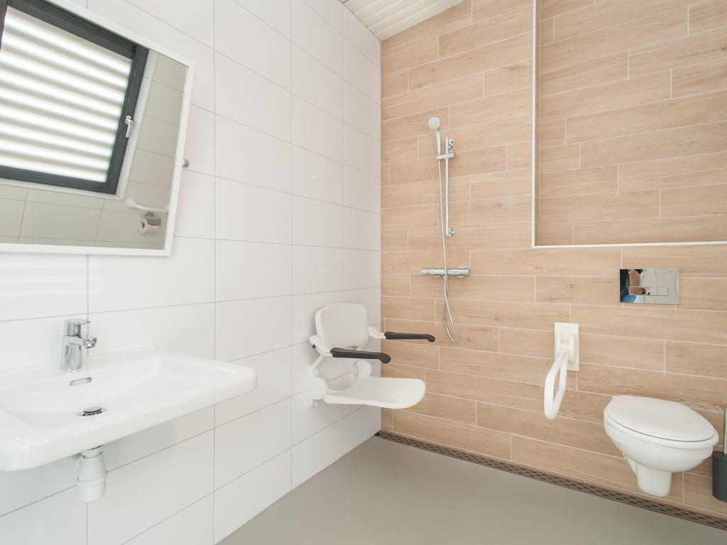 Ferienhaus Komfortable Lodge mit Geschirrsp., 900 m. vom Strand entf. (2284200), Hollum, Ameland, Friesland (NL), Niederlande, Bild 10