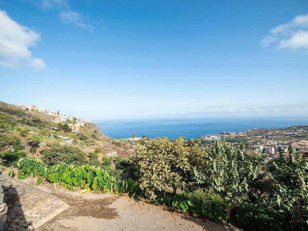 Holiday house Luxuriöses Ferienhaus auf den Kanarischen Inseln mit Garten (2373008), Icod de los Vinos, Tenerife, Canary Islands, Spain, picture 22